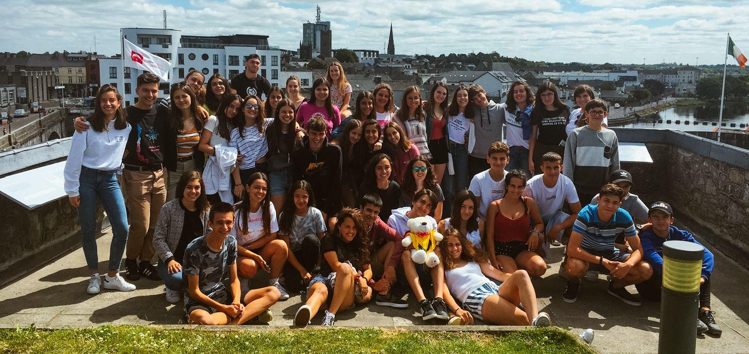 El grupo EMY del curso de preparación al First Certificate in English en una excursión.